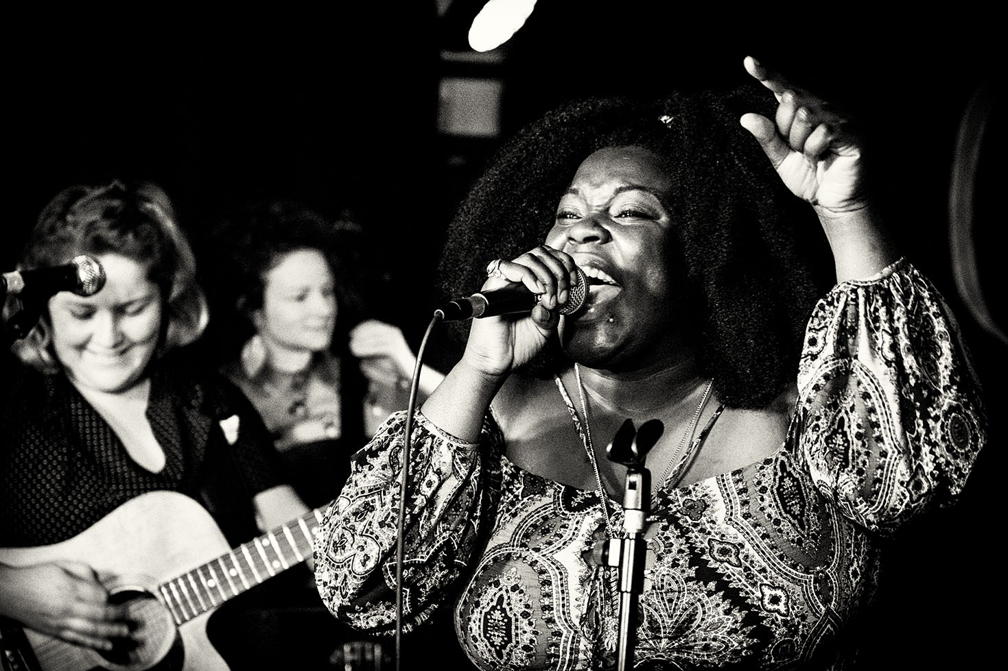 Yola Carter playing at the Thunderbolt in Bristol - May 2016
