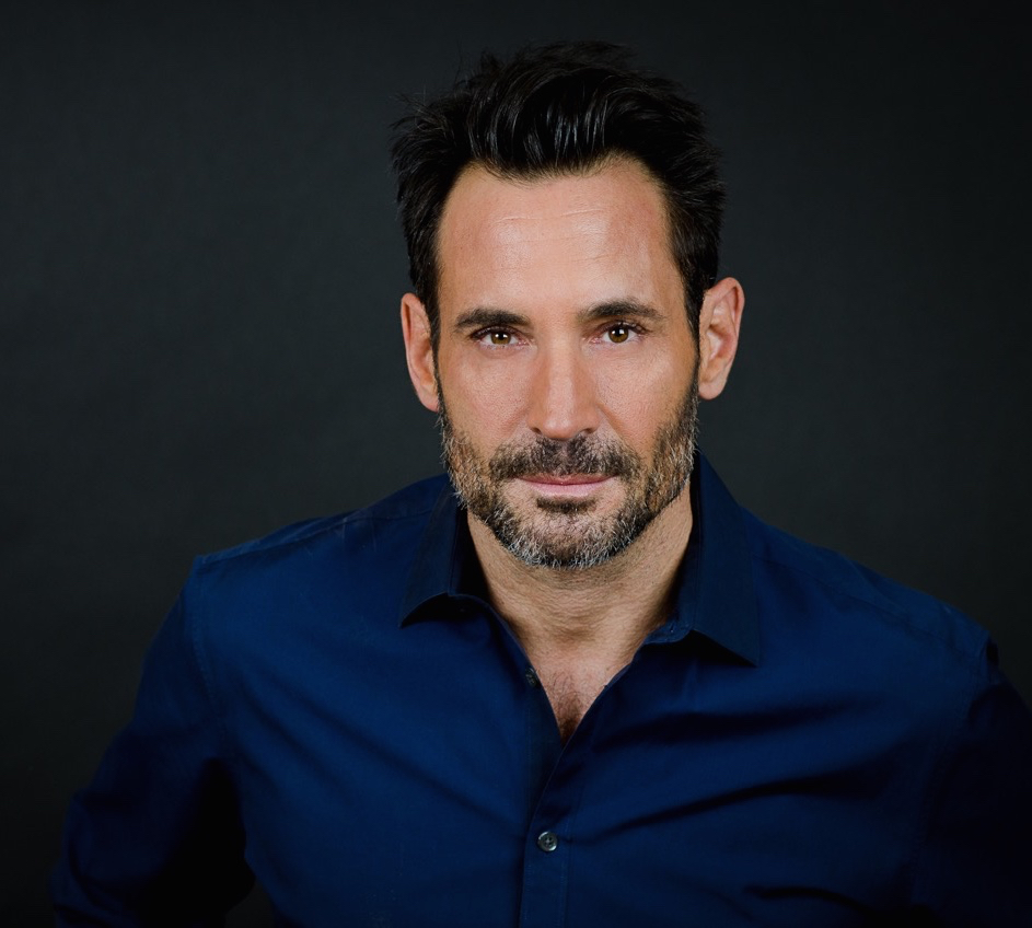 Gregory Zarian as Aaron Mason