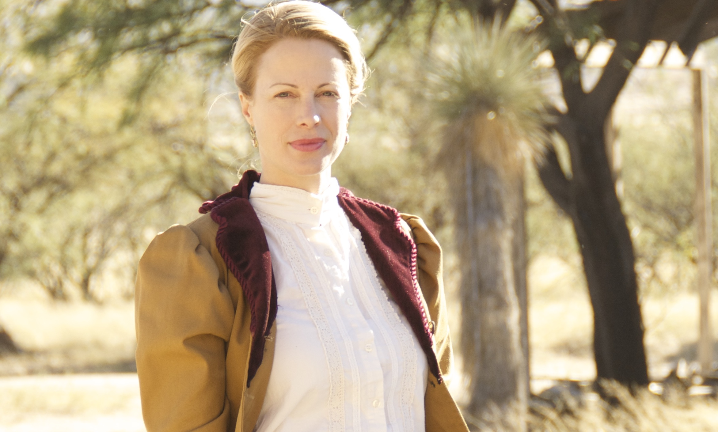 Alison Eastwood as Dr. Elizabeth Reed