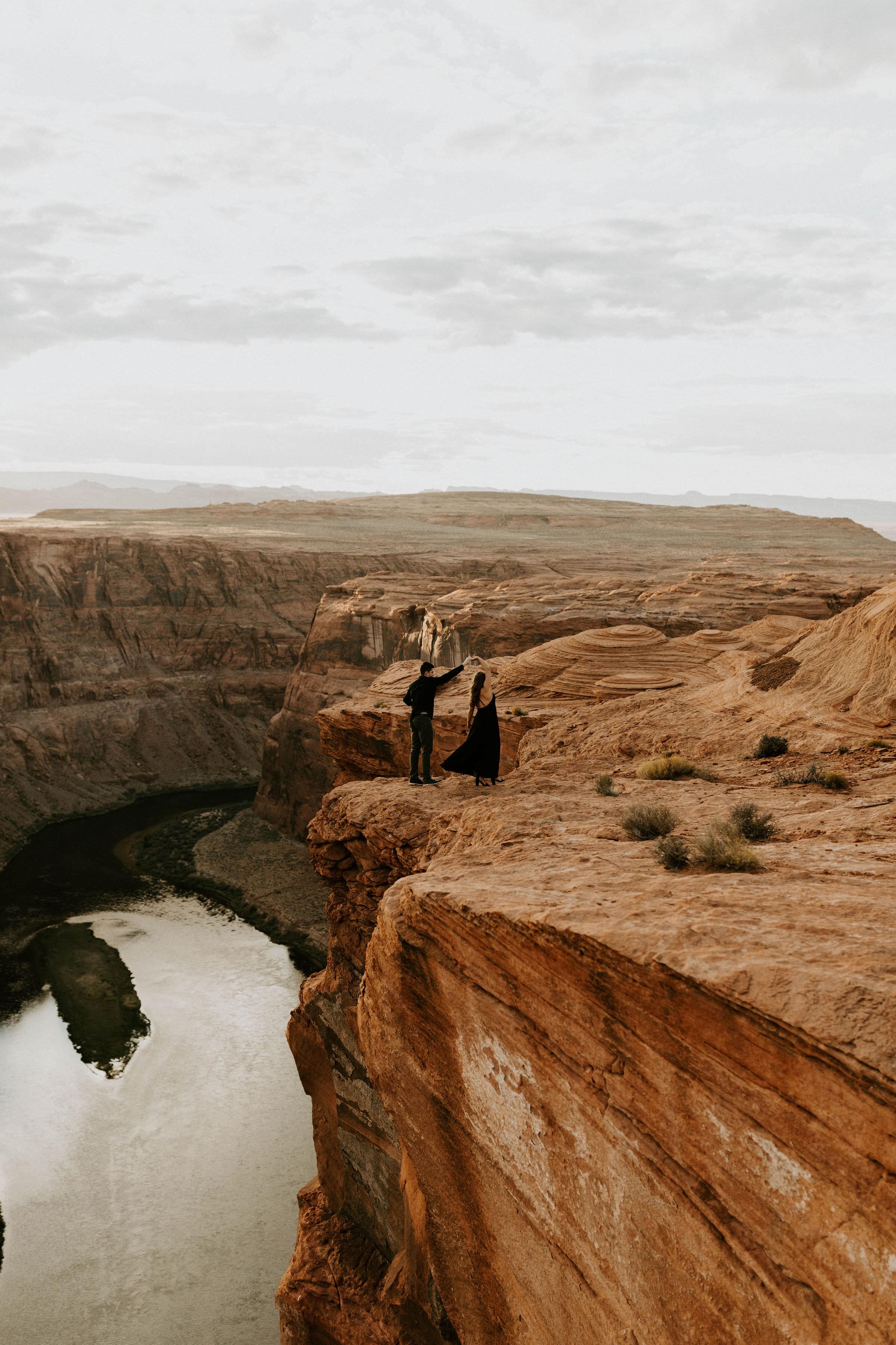 horseshoebendengagementsessionerikagreenephotography40.jpg