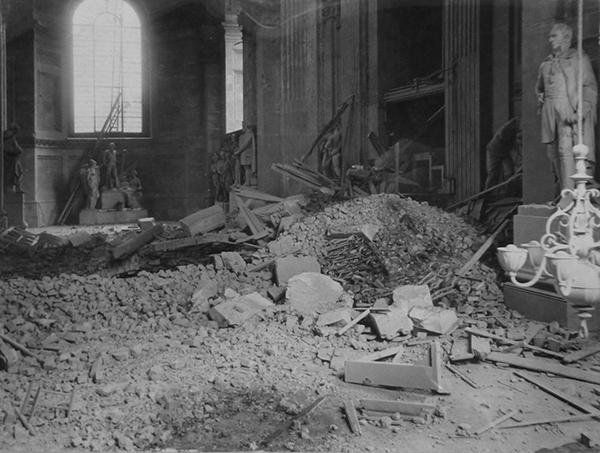 St-Pauls-bomb-damage-1.jpg