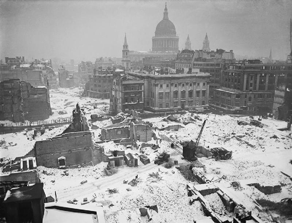 St-Pauls-London-wartime.jpg