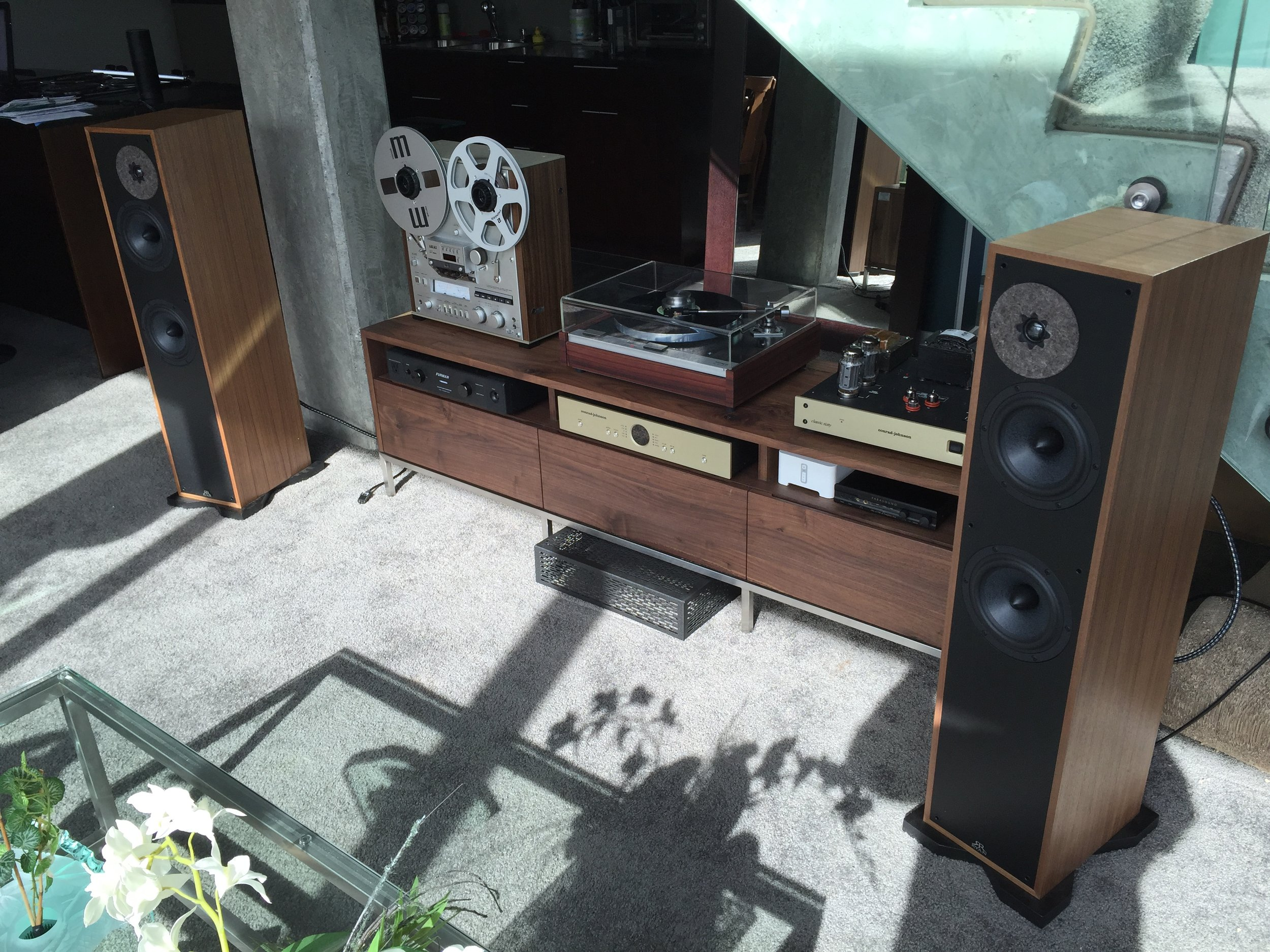Robert System:  Ryan 620 floor standers, Thorens TT, CJ power amps, Akai GX 625 R2R.