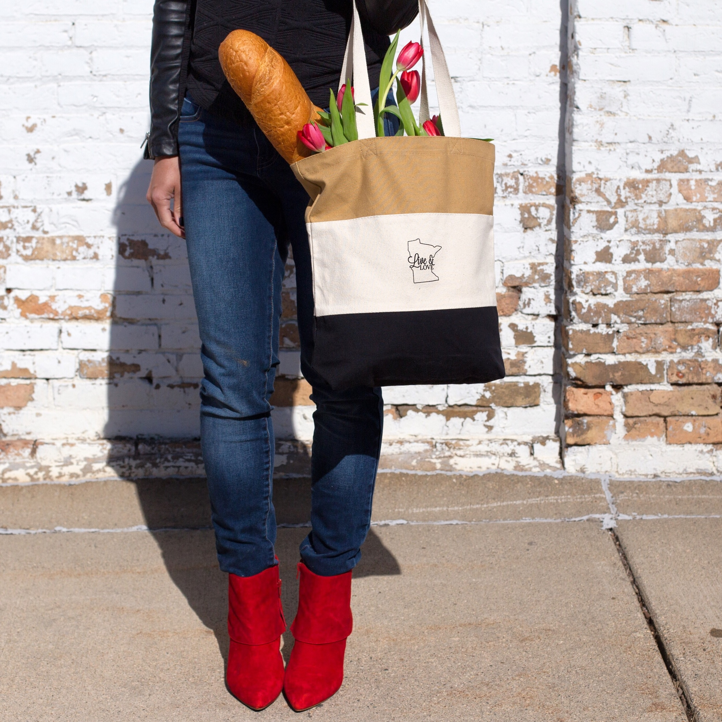 The Live & Love MN/Art of Edina collaborative tote bag.  Photo by Jill Emmer