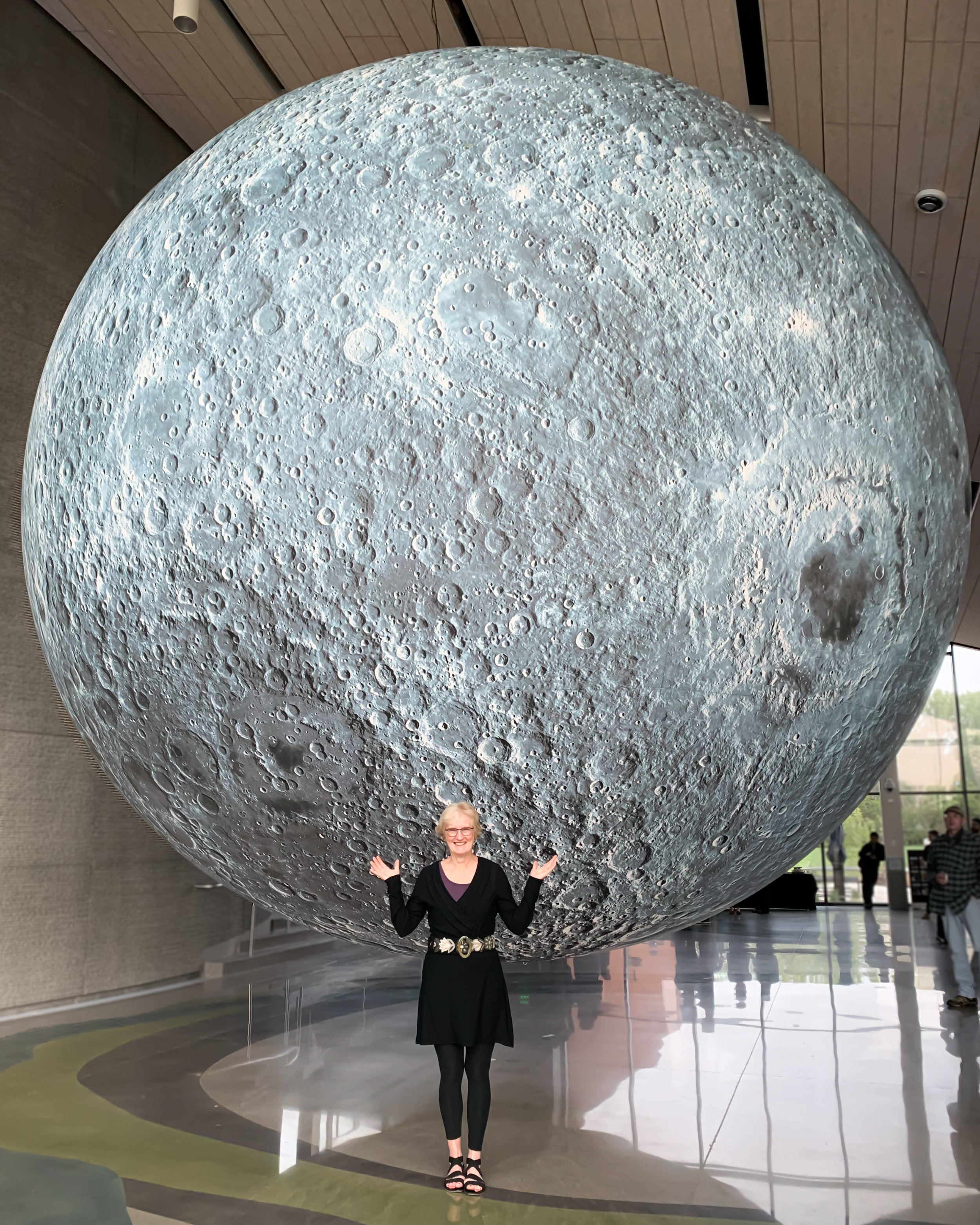 Special thanks to my model Denise! I am working on a special non-profit fundraiser project for senior citizens with the Art of Edina and used the moon as our first backdrop!