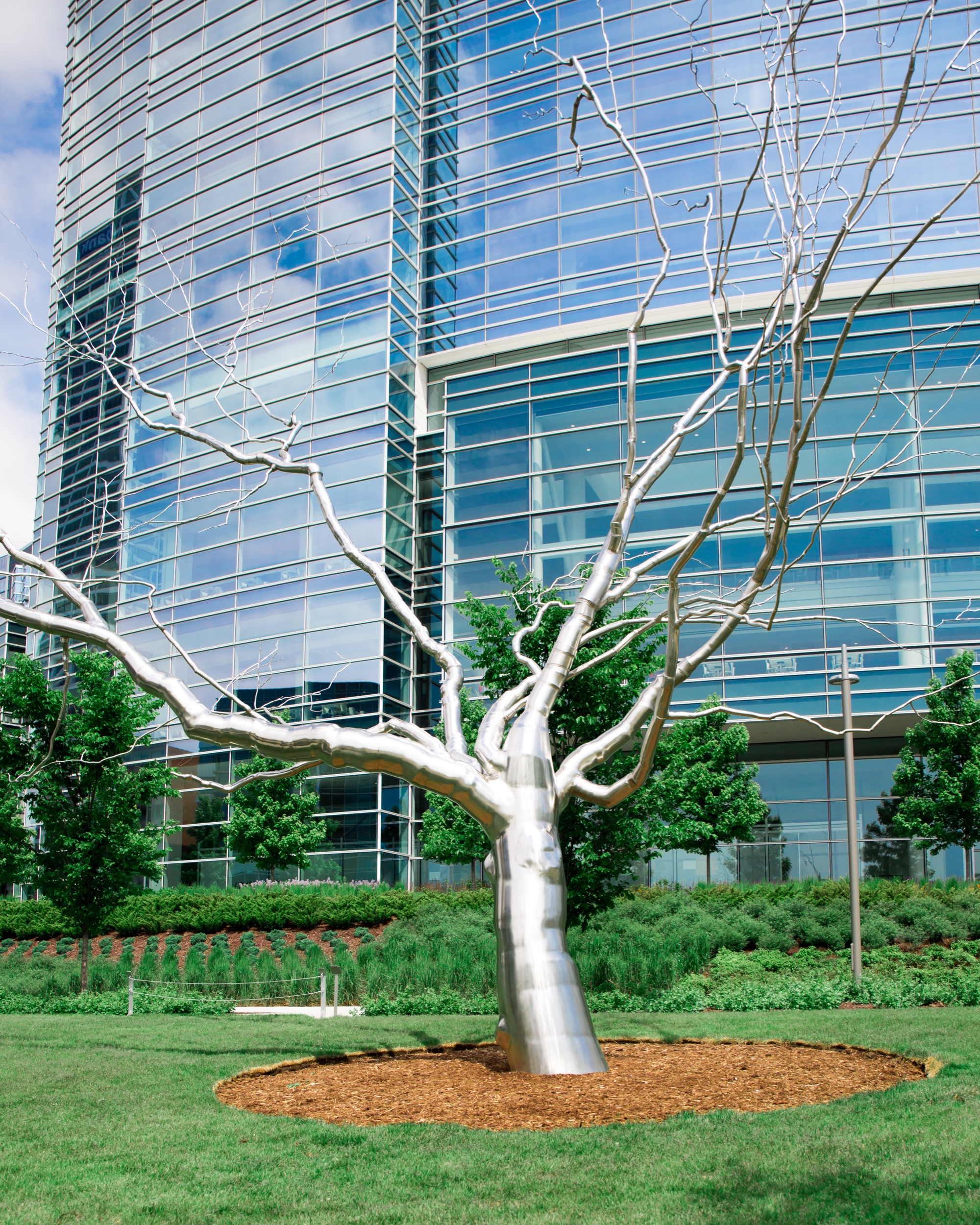 """I love this tree!! """"Cleft From The Series Dendrites"""" by Roxy Paine. Magical."""