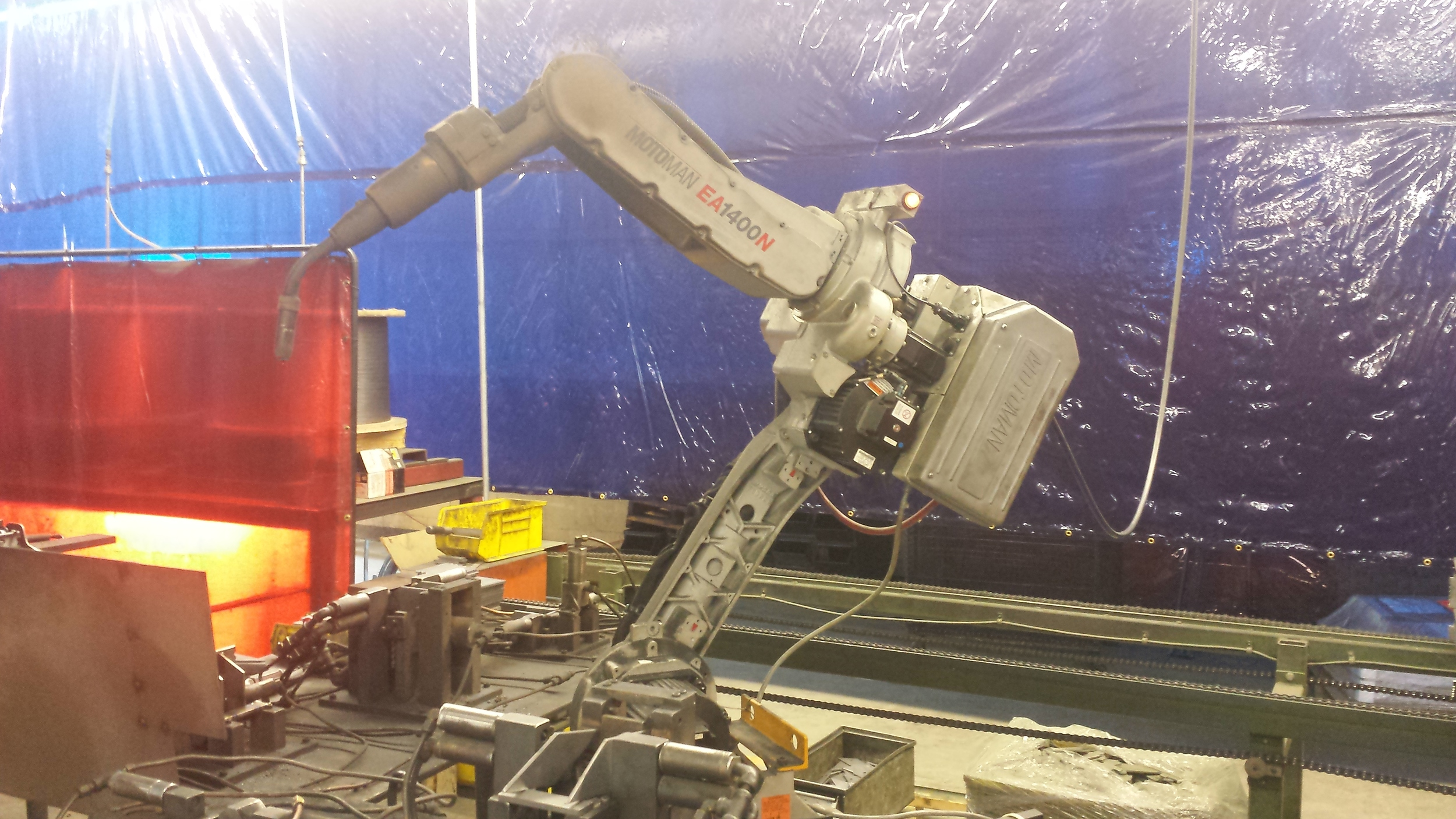 All clamps are robot welded