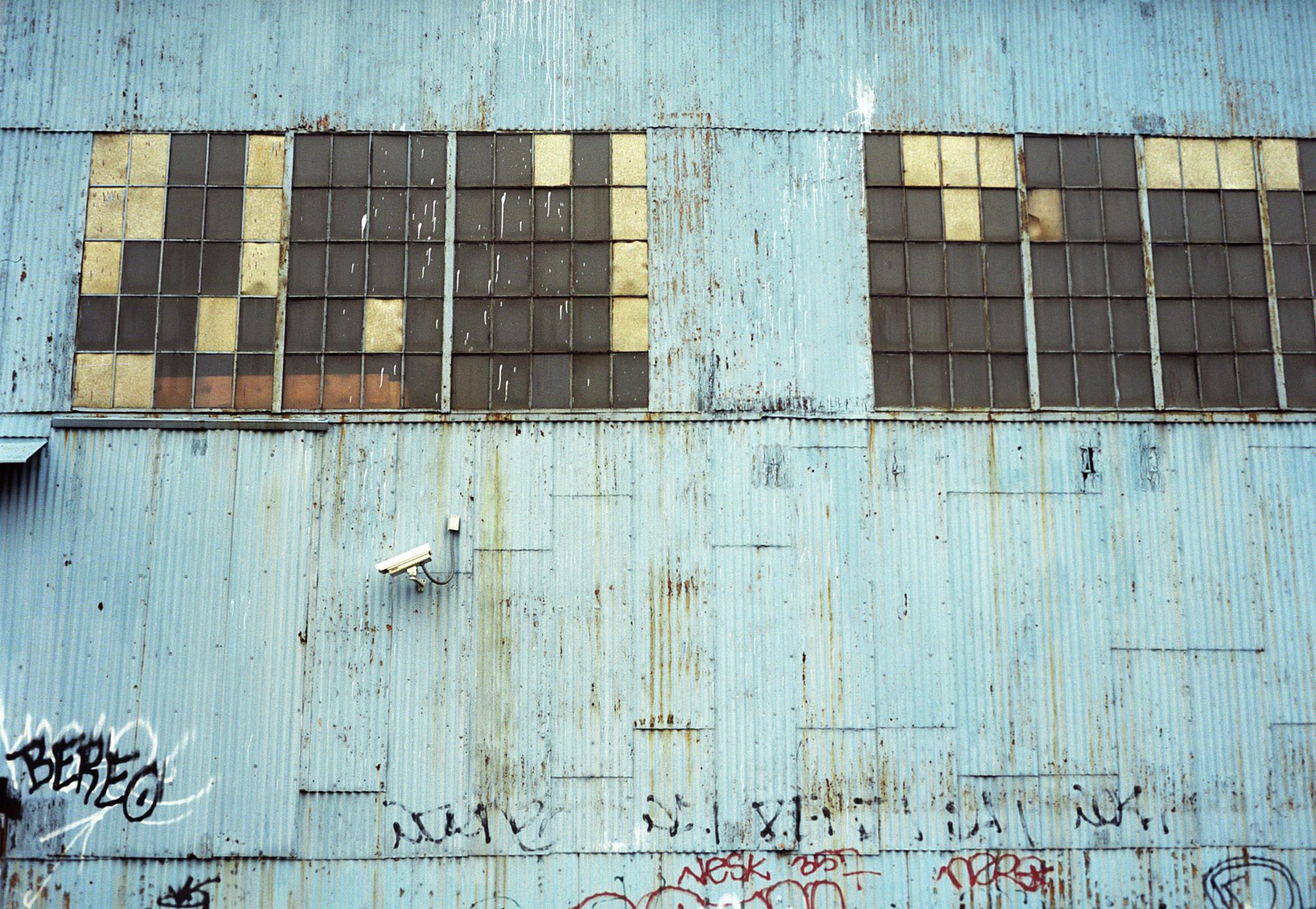 bluebuilding01.jpg
