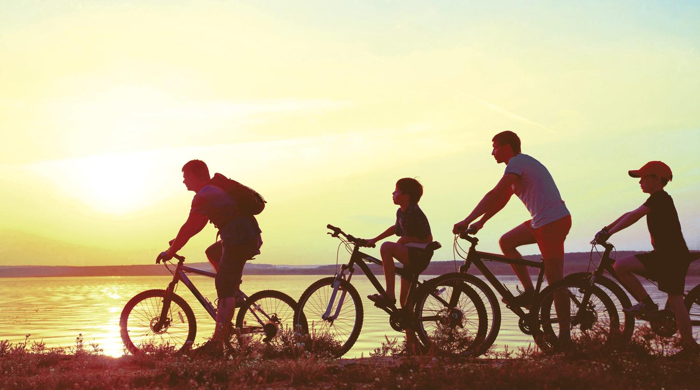 family-on-bikes-02.jpg