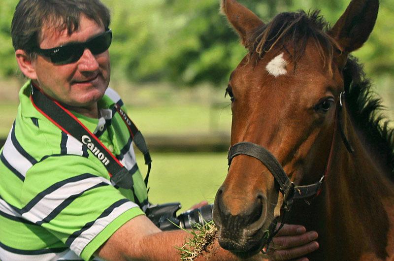 Howard Schwegmann with an Auburn Annio foal by Western Winter