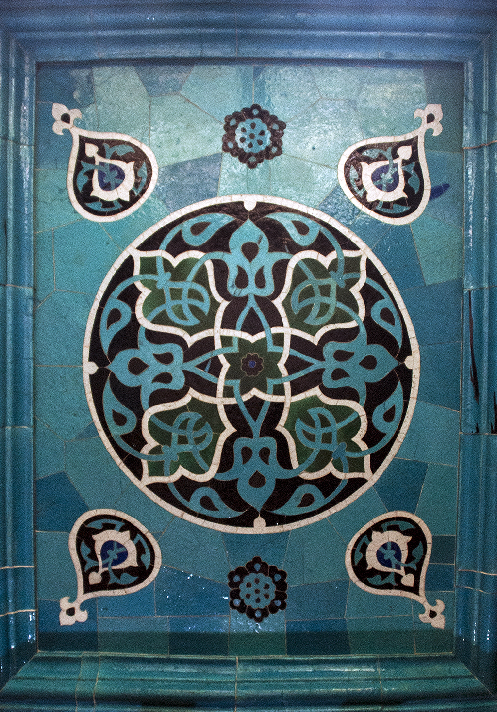 Ceiling, tiled window alcove, Yesil Tomb