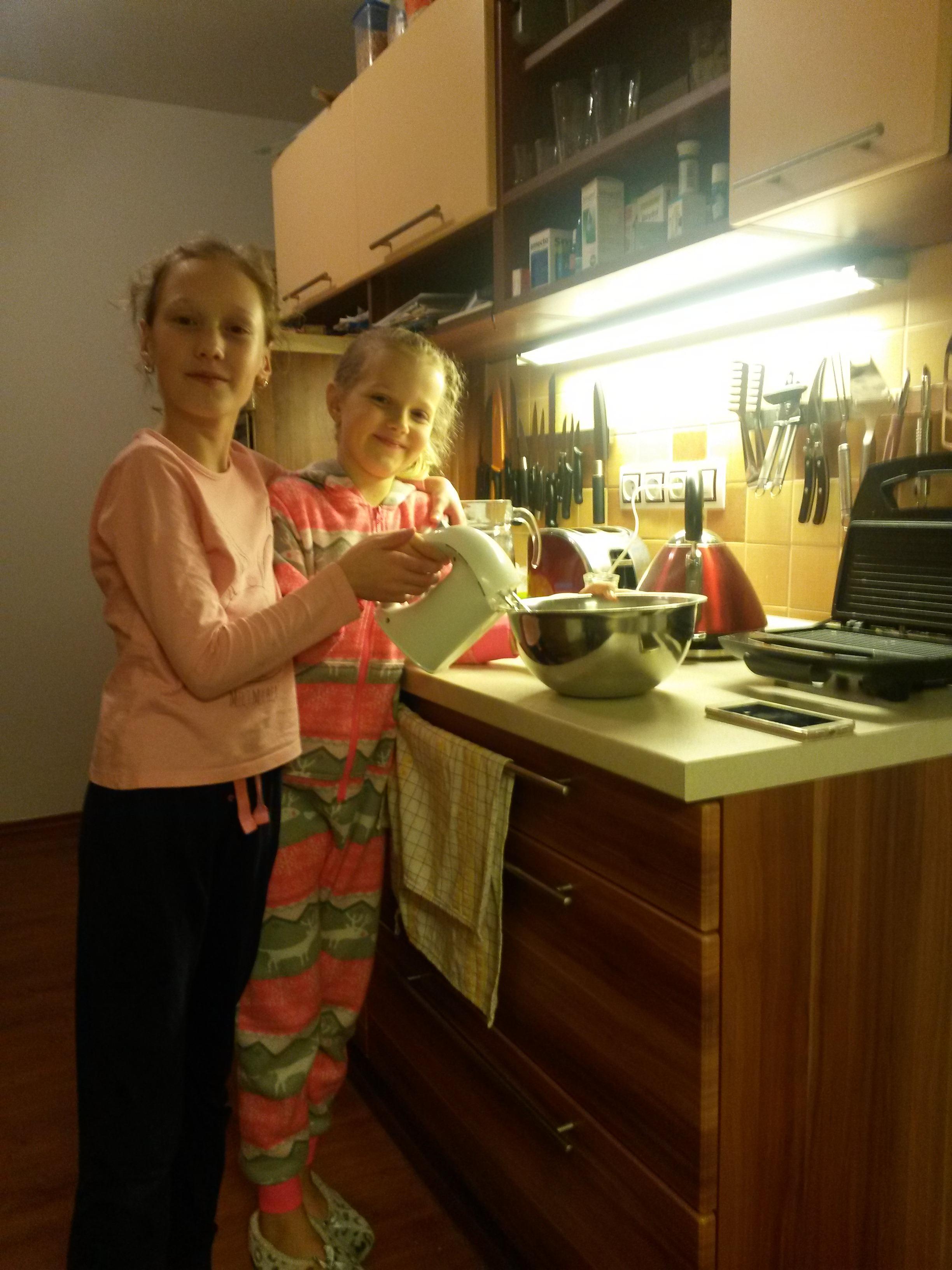 Ema K. a Adéla K. (Praha)
