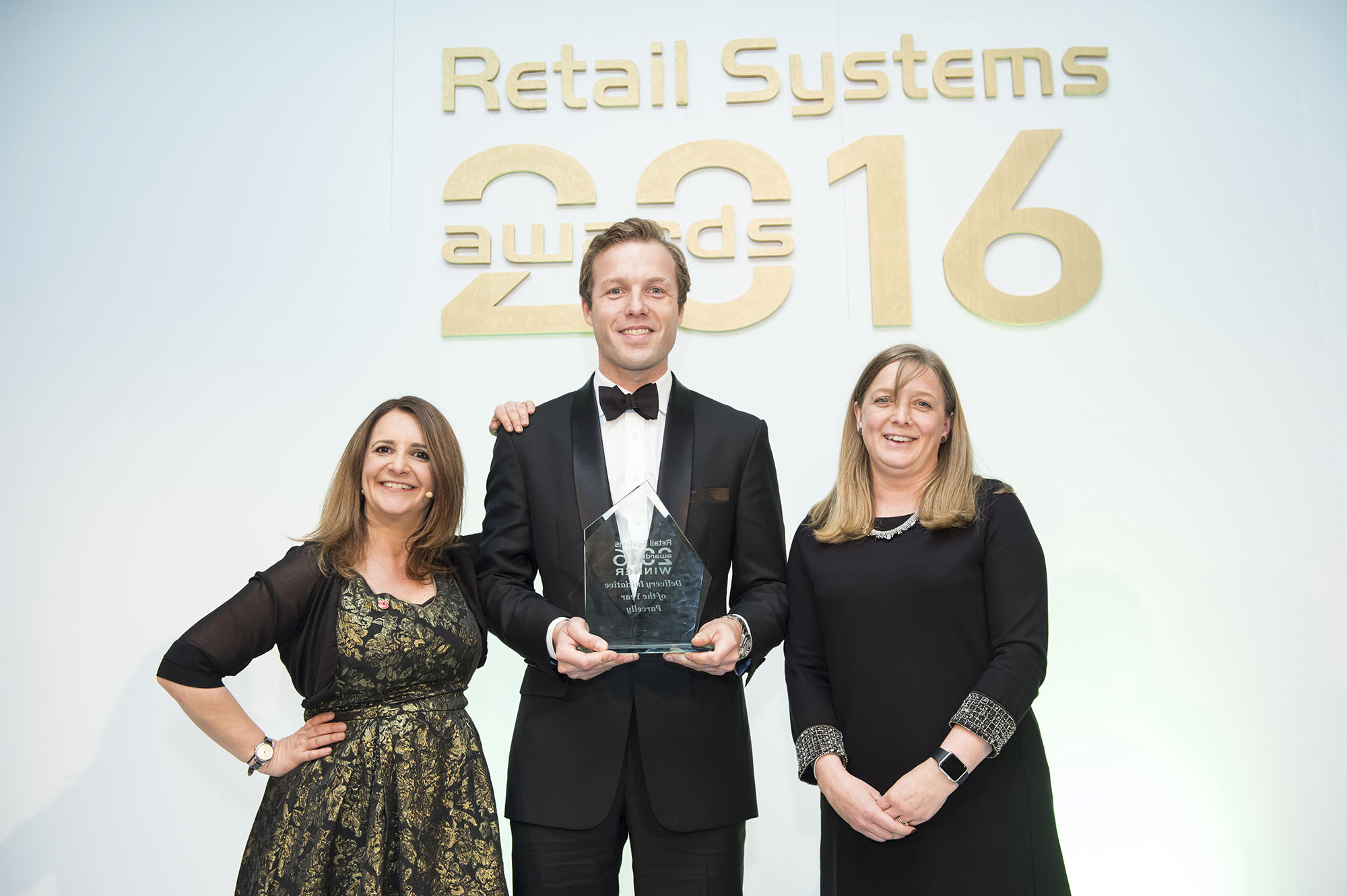 Parcelly wins 'Delivery Initiative of the Year 2016' at Retail Systems Awards
