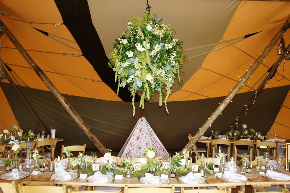 wedding tipi.jpg
