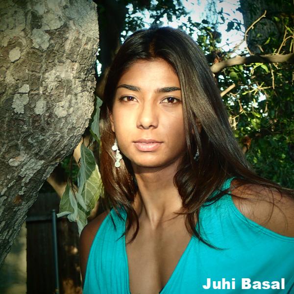 Juhi Bansal square headshot.png