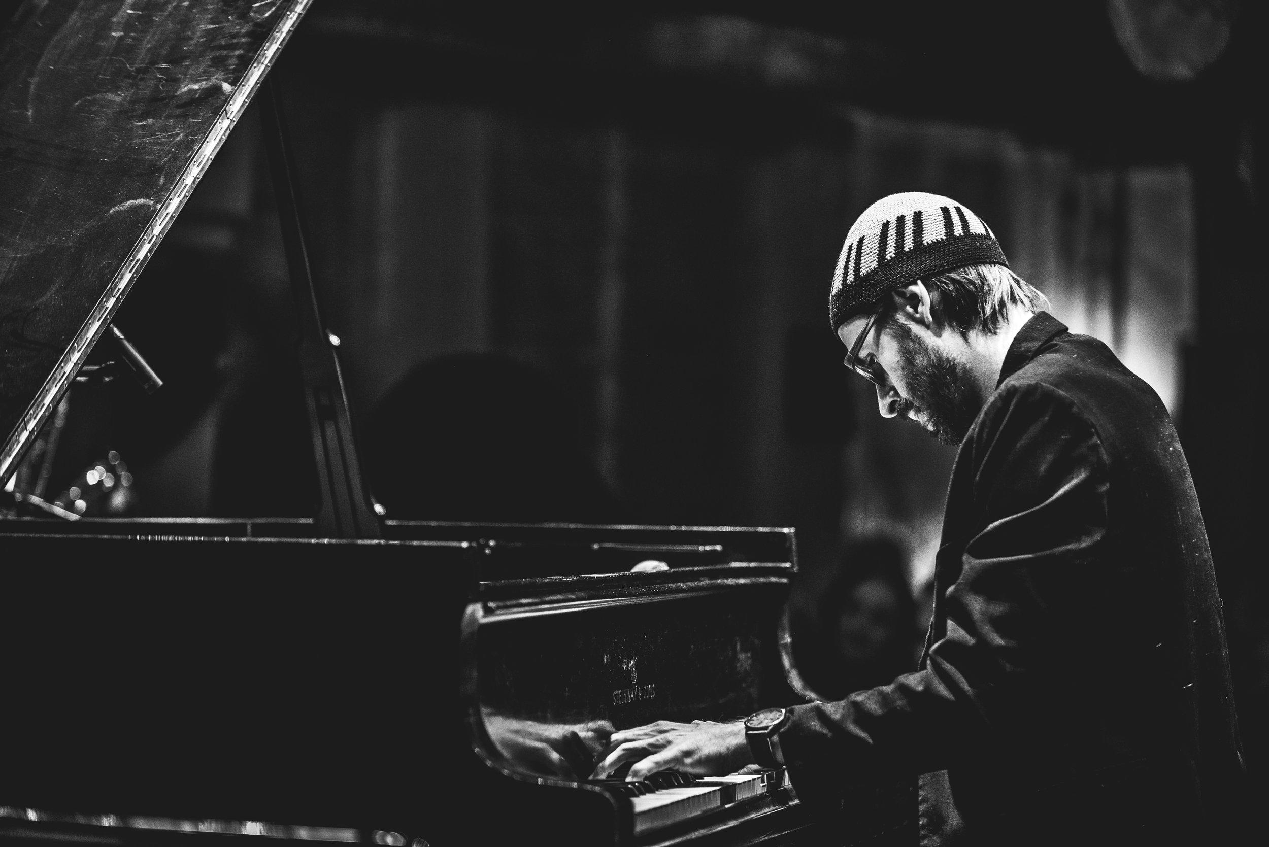 Helbock Solo Live © Astrid Dill 2.jpg