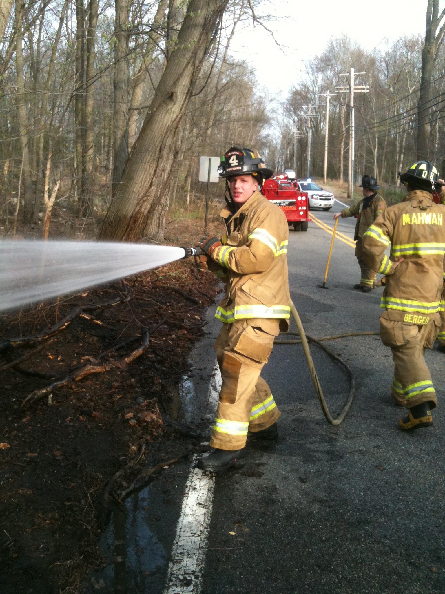 Brush Fire Darlington Ave, Mahwah/Ramsey Border.