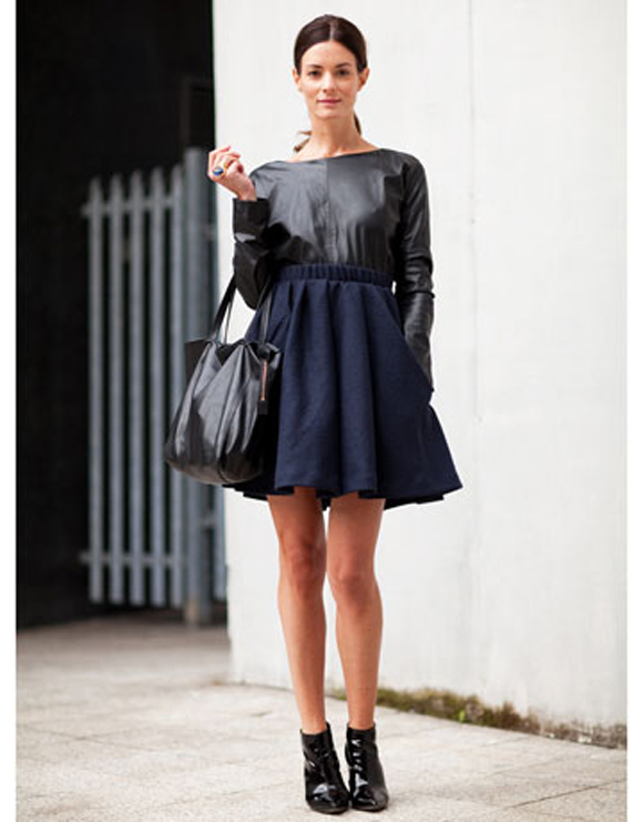 navy skirt look 7.jpg