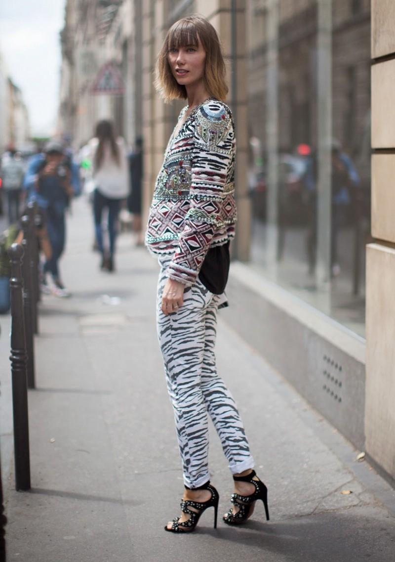 la-modella-mafia-Anya-Ziourova-street-style-prints-2.jpg