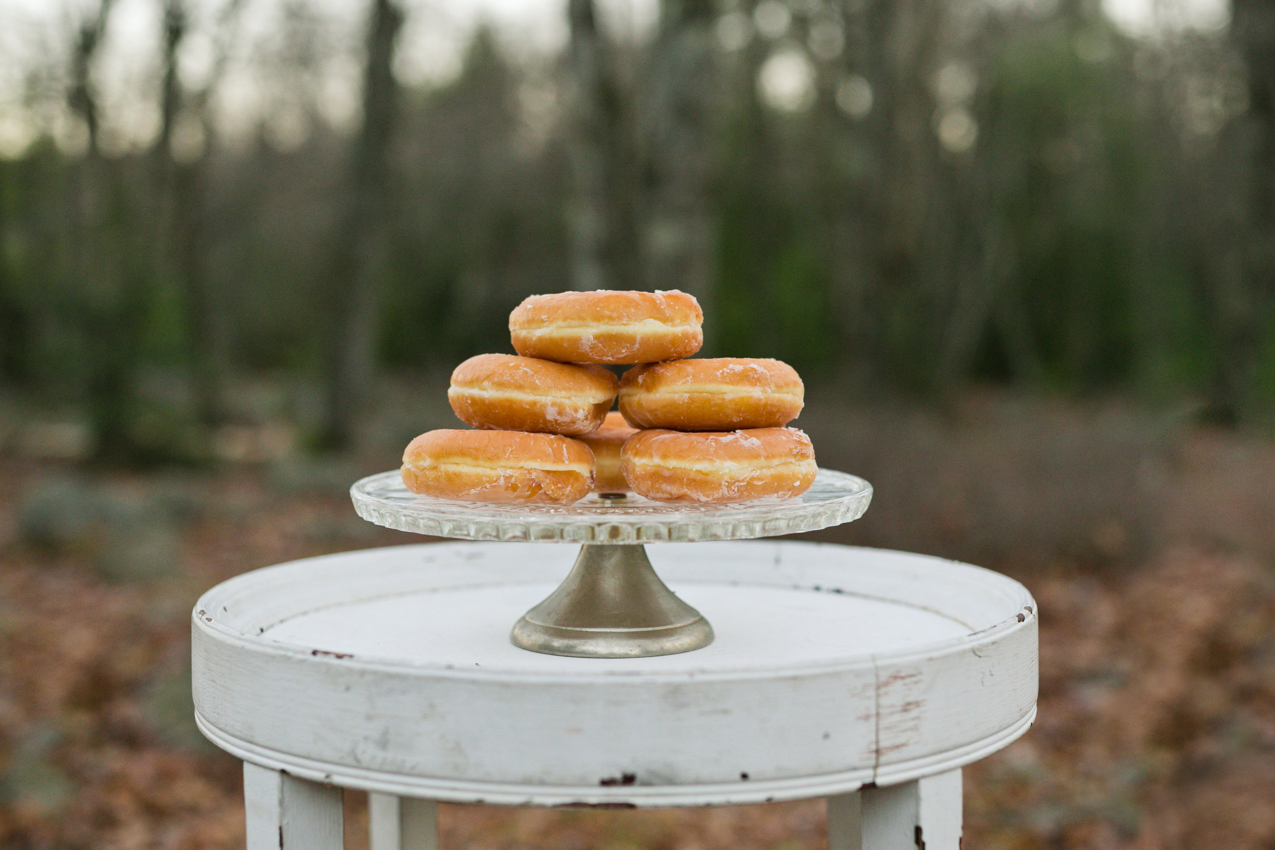 A donut cake at an elopement shoot, because why not? Photo by Kelley Spurlock.