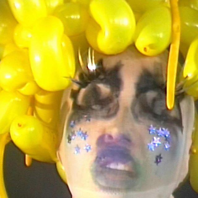 @lilmami_lani 🍌 ・・・ #Rp @lilmami_lani Experiencing unusually high call volume!  #selfportrait  Makeup: @laramiemakeup  Hair: @evaniefrausto Squished Nose: @lilmami_lani Assist: @yazzjansen