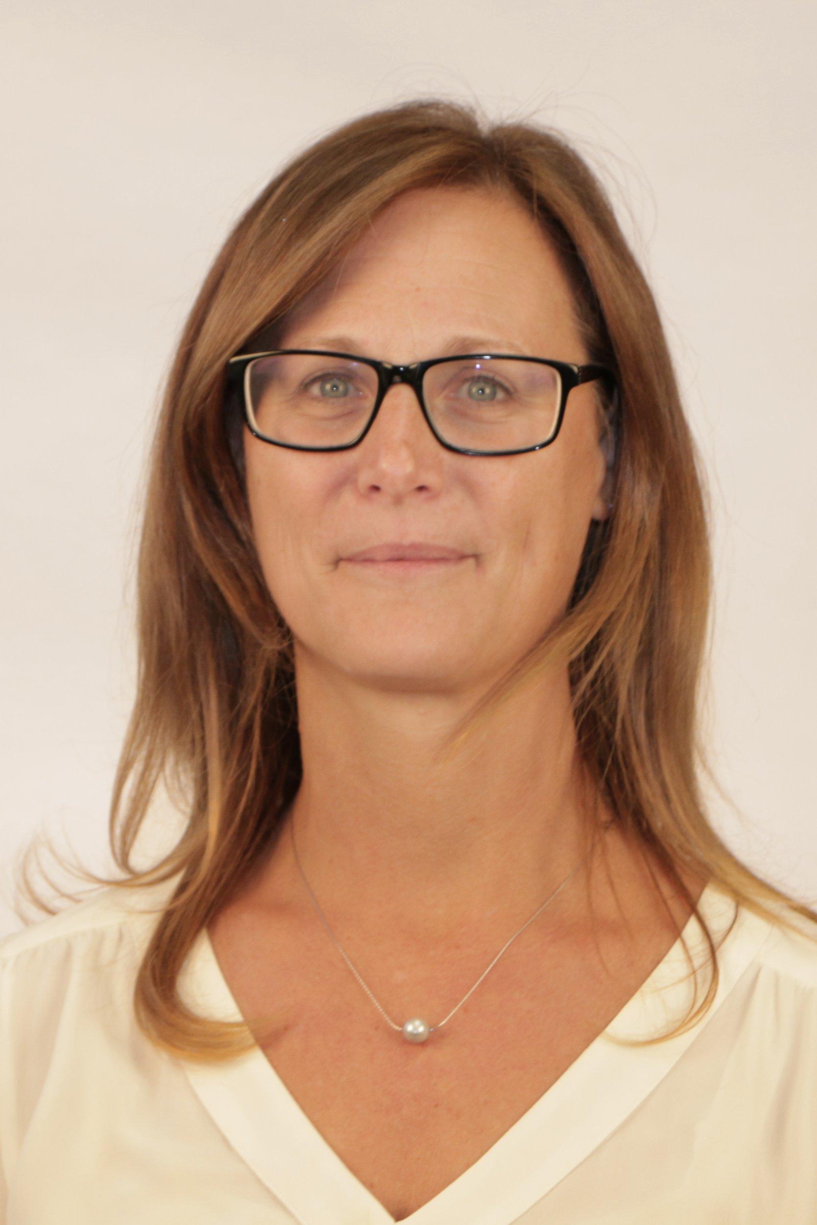Miriam MacNeil Director of Campus Planning and Development Parliamentary Precinct Branch (PPB)