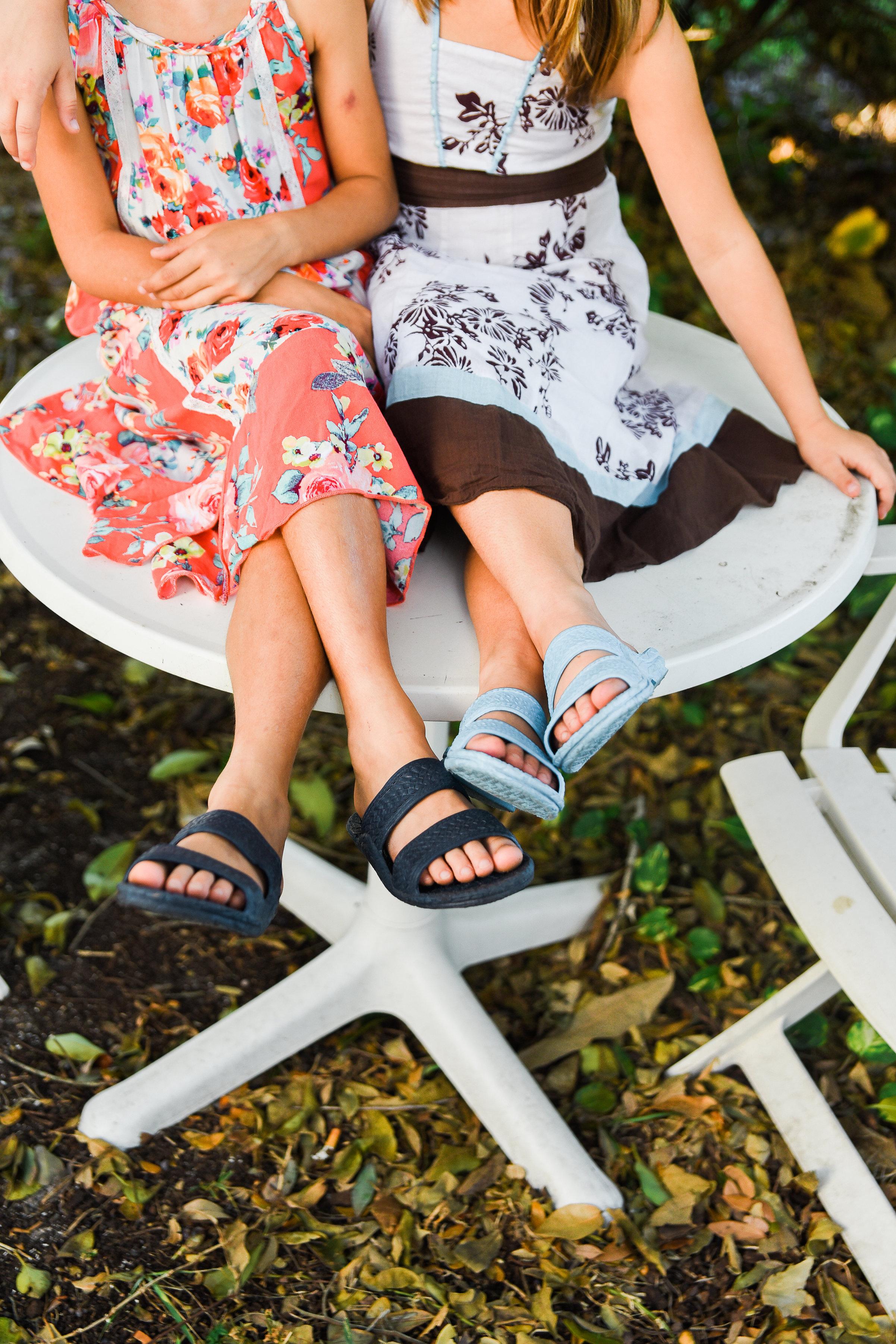 Pali Hawaii  Kids Jandal ® in Navy and Aqua.
