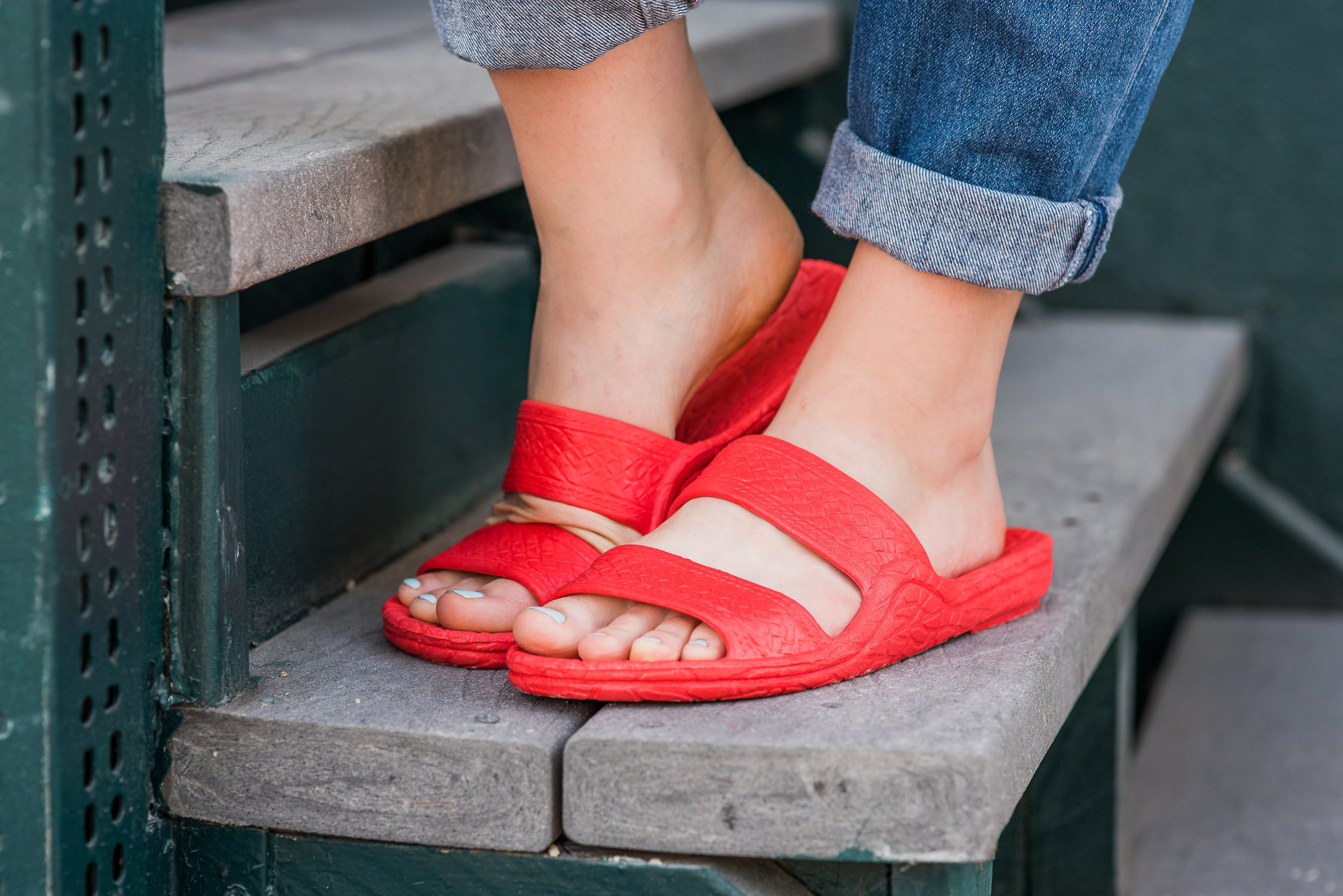 Pali Hawaii   Color Jandal ®  in Red.