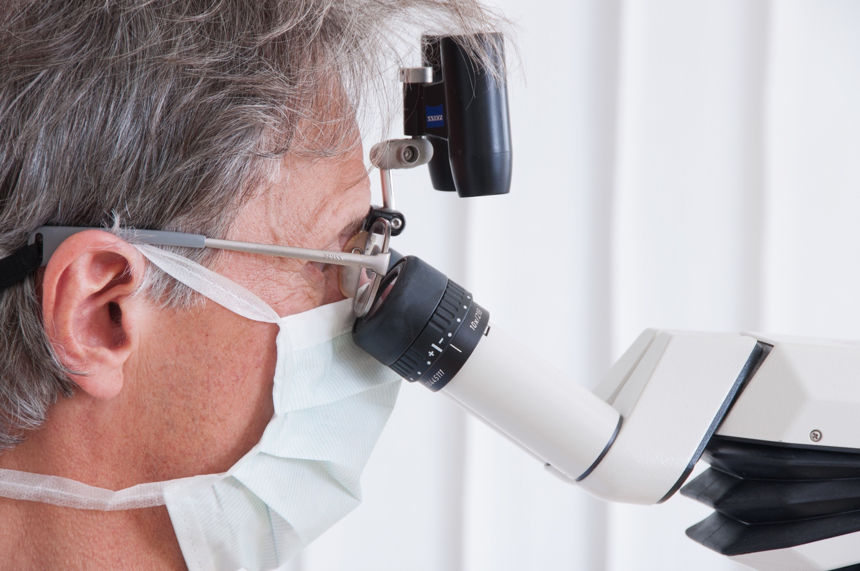 Zahnarztpraxis-Schoberer-Gruenwald-Wurzelkanalbehandlung-1.jpg