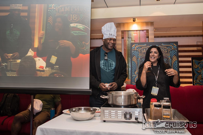 DJ LOGICChicken Curry - Boneless Chicken in aYogurt based Curry