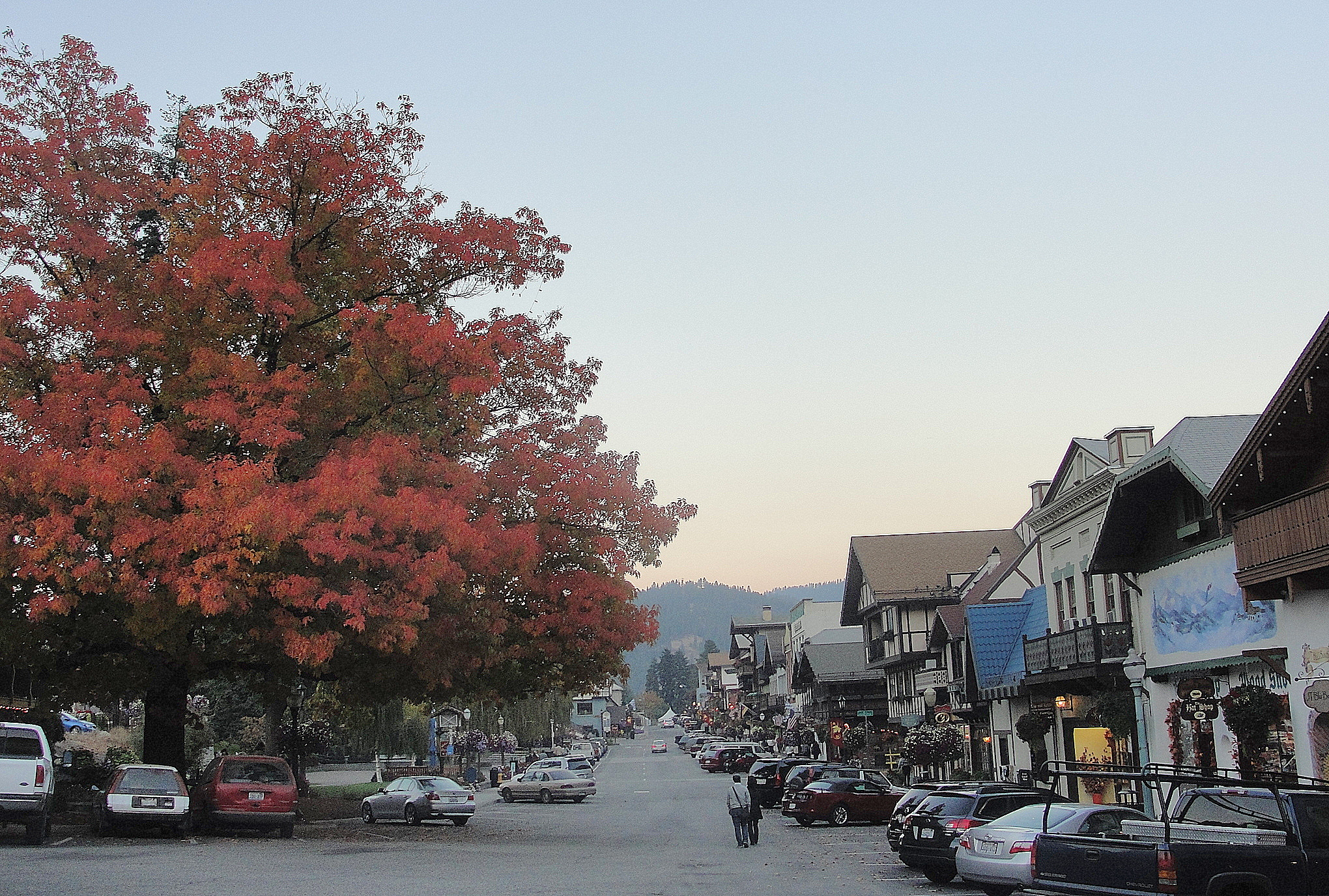 Can't afford a trip to Germany for Oktoberfest? Have no fear!  Leavenworth to the rescue, right here in the U.S. of A.