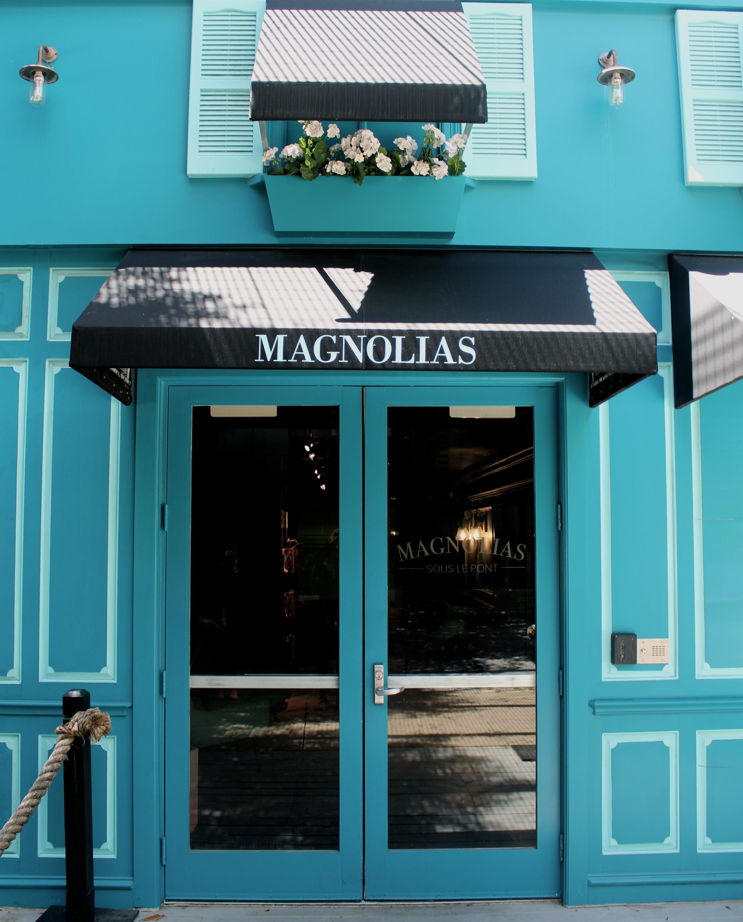 Dallas Coffee Shop Guide Magnolias Sous Le Pont by Miami Blogger Zeinab Kristen | travel & lifestyle blog