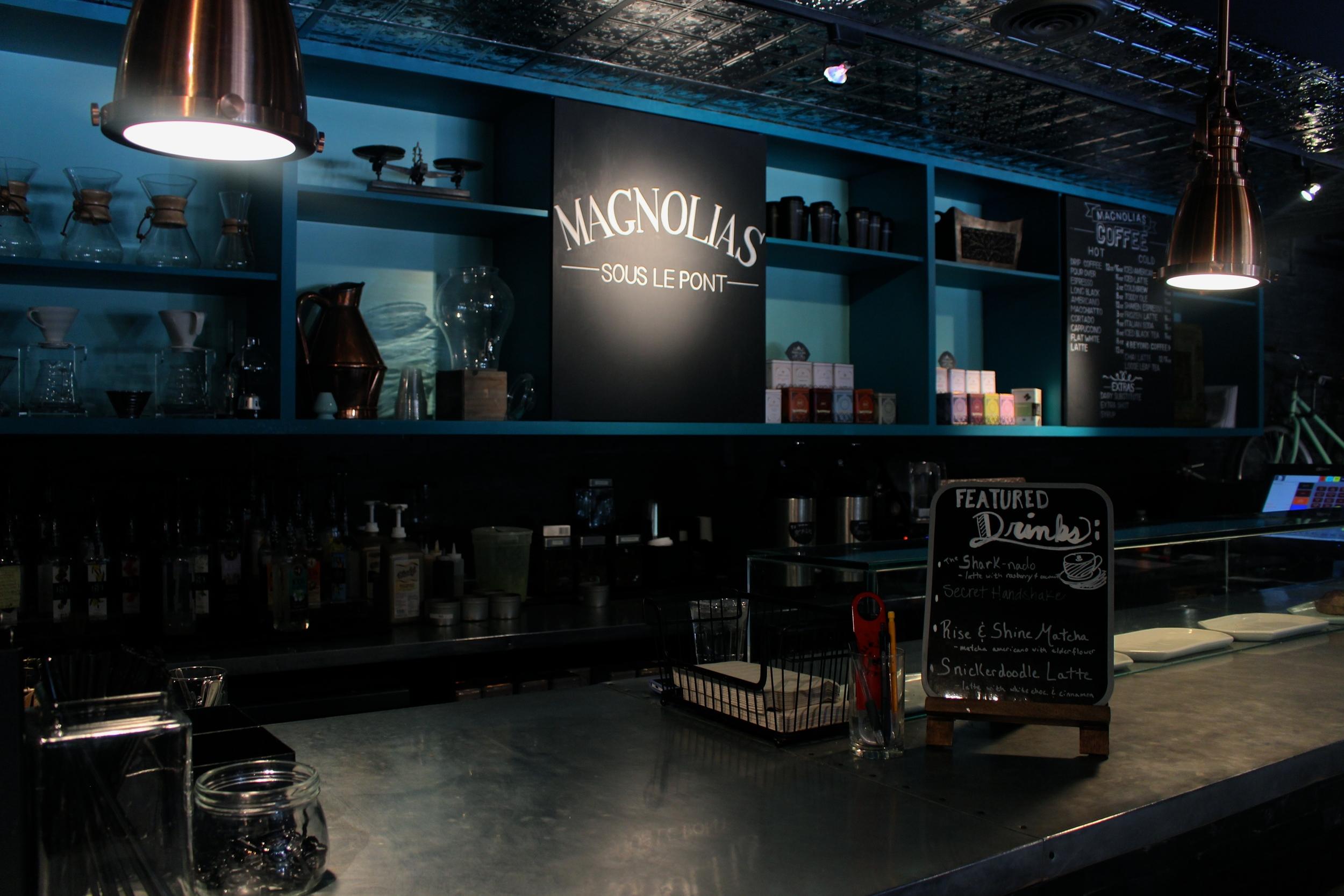 Dallas Coffee Shop Guide Magnolias Sous Le Pont by Miami blogger Zeinab kristen / Travel & lifestyle blogger