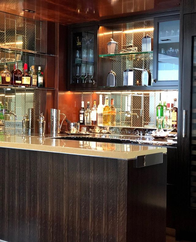 The weekend starts here #Cutombar #Luxfinishes #Interiordesign