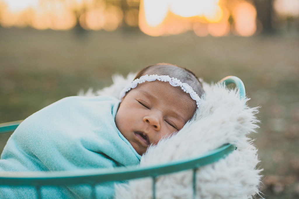 outdoornewbornphotography11.jpg