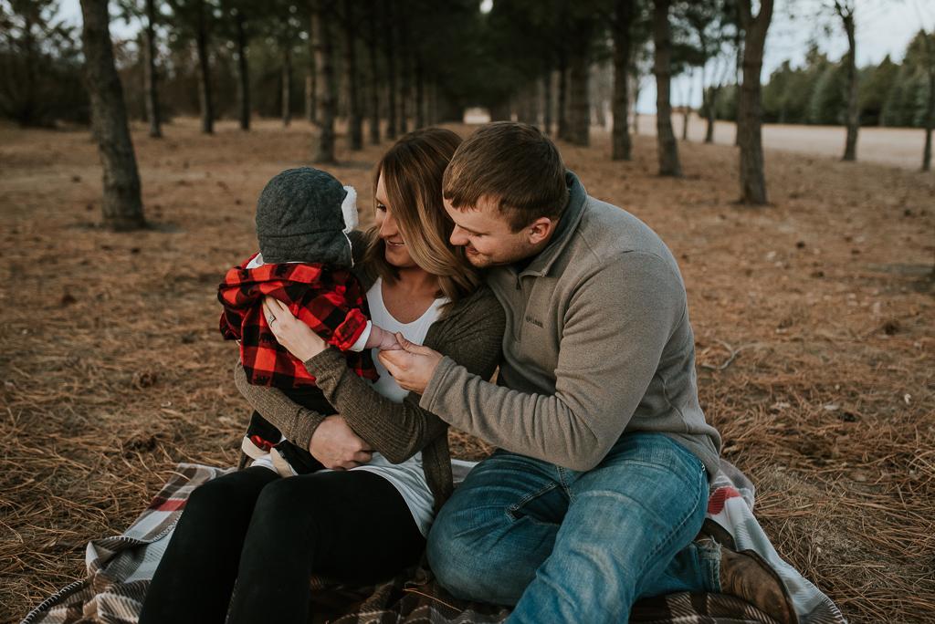 fall-family-photographer-bismarck-12.jpg