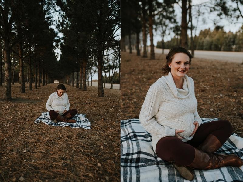 winter-maternity-photographer-minot-5.jpg