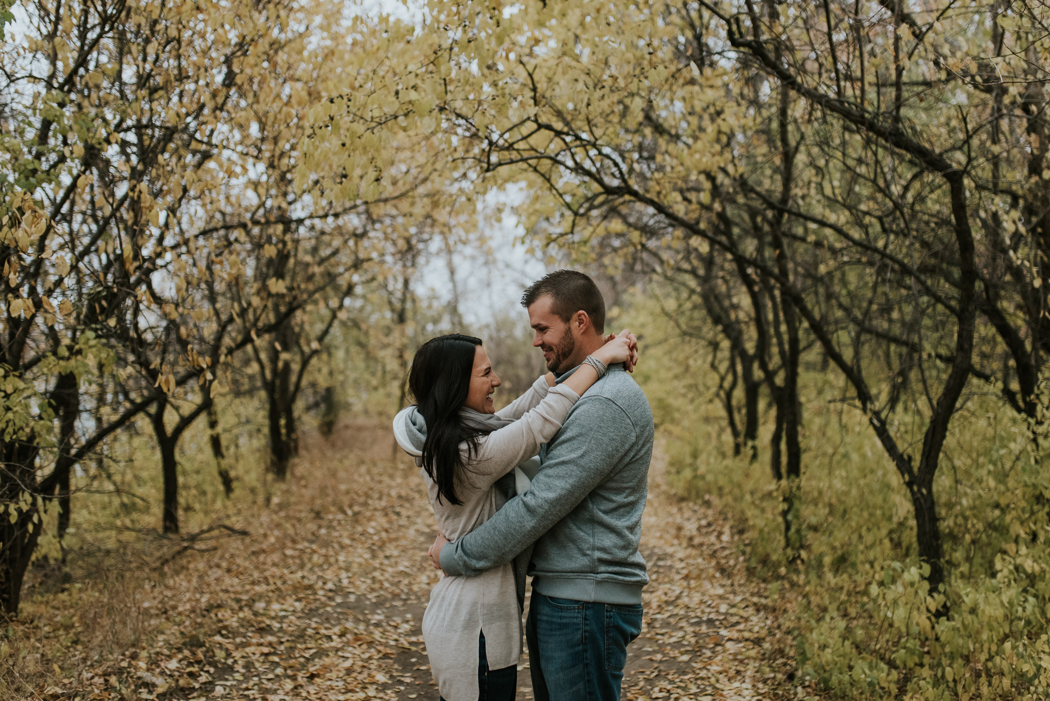 engagement-anniversary-dog-pictures-fall-11.jpg