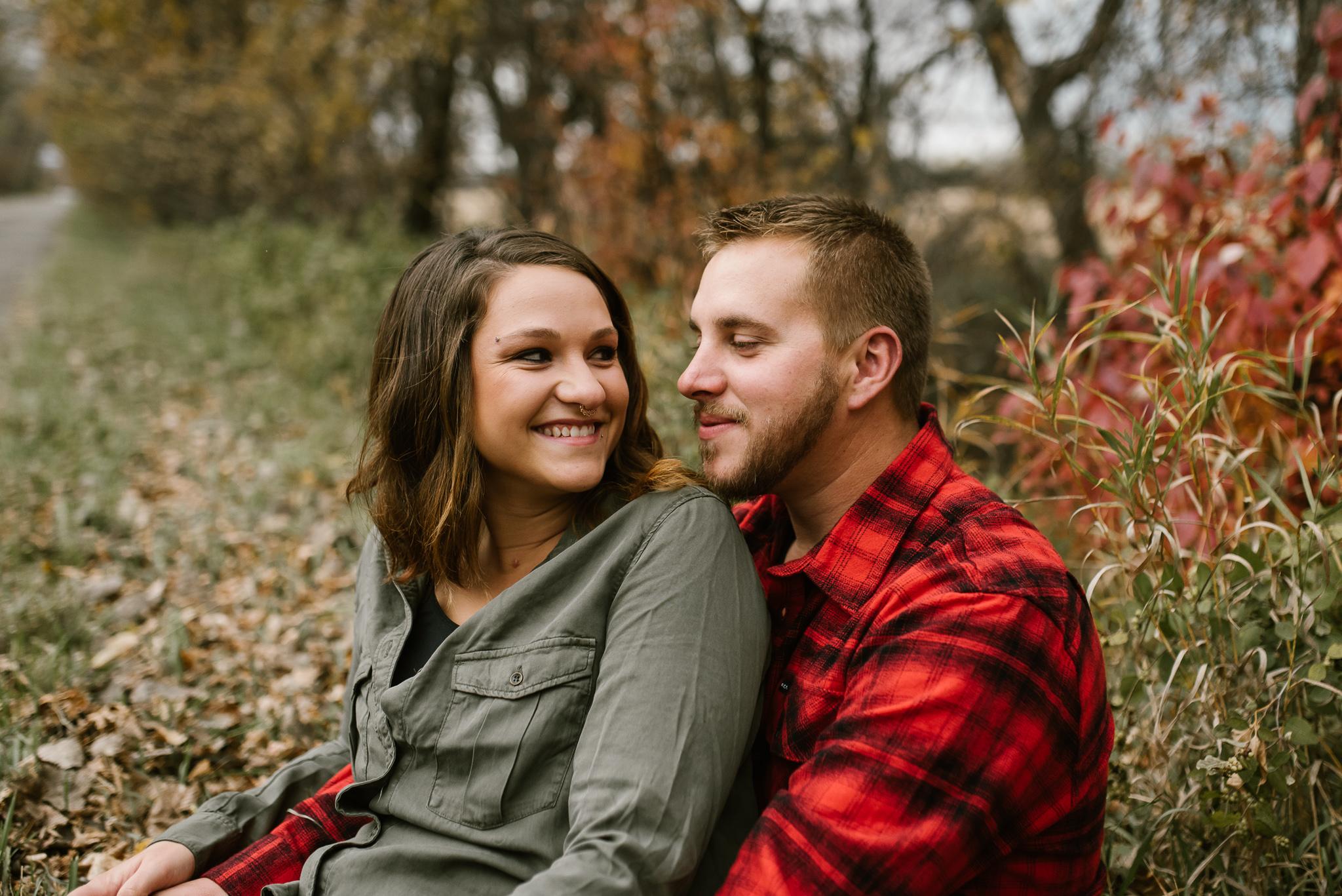fall-engagement-bismarck-photos-6.jpg