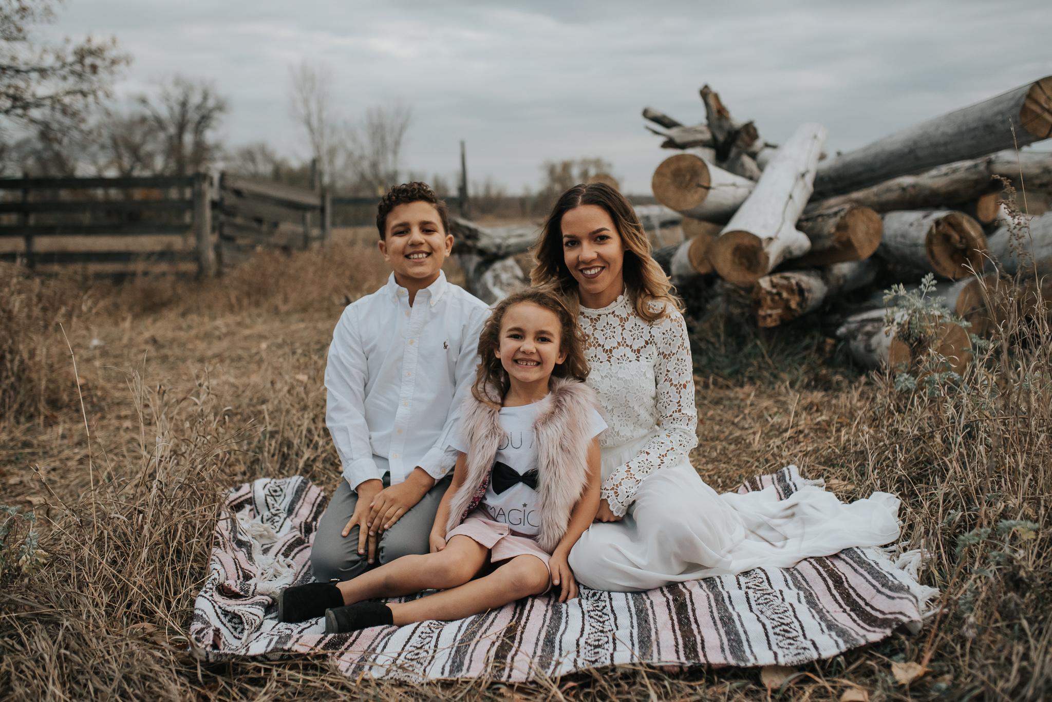 unique-family-kids-pictures-bismarck-north-dakota-1.jpg
