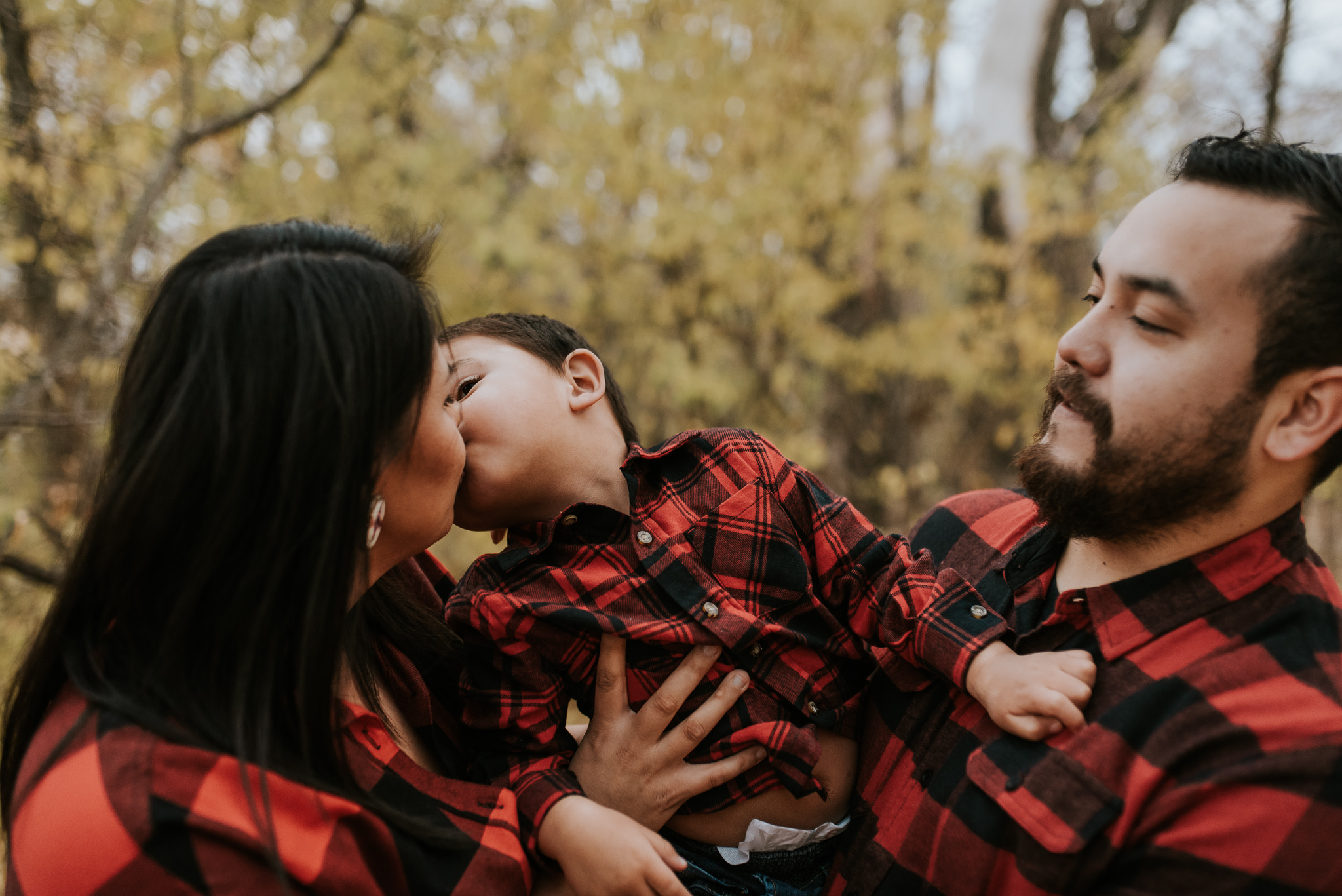 flannel-plaid-family-pictures-bismarck-fall-7.jpg