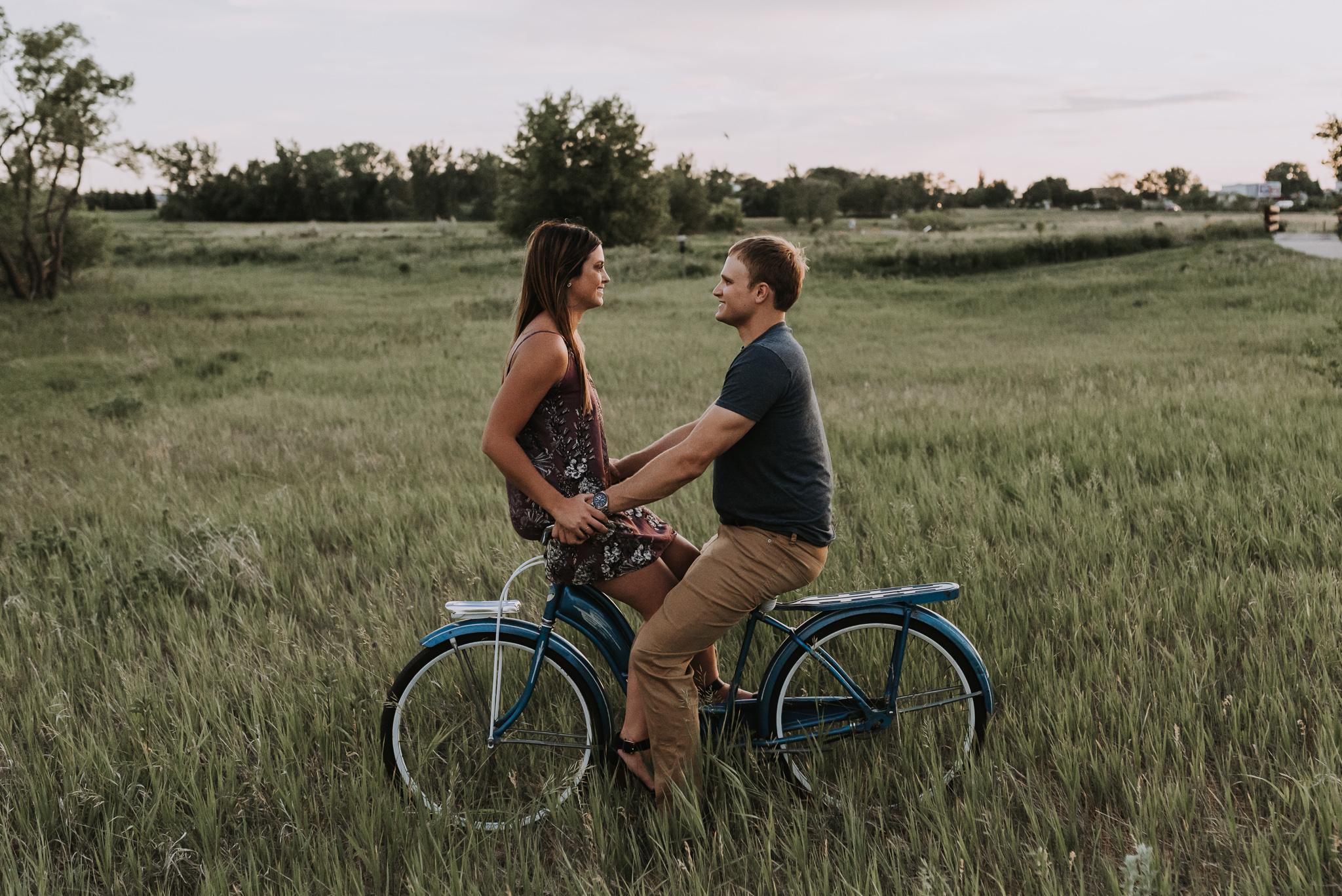 minot-bismarck-wedding-engagement-photographer-19.jpg