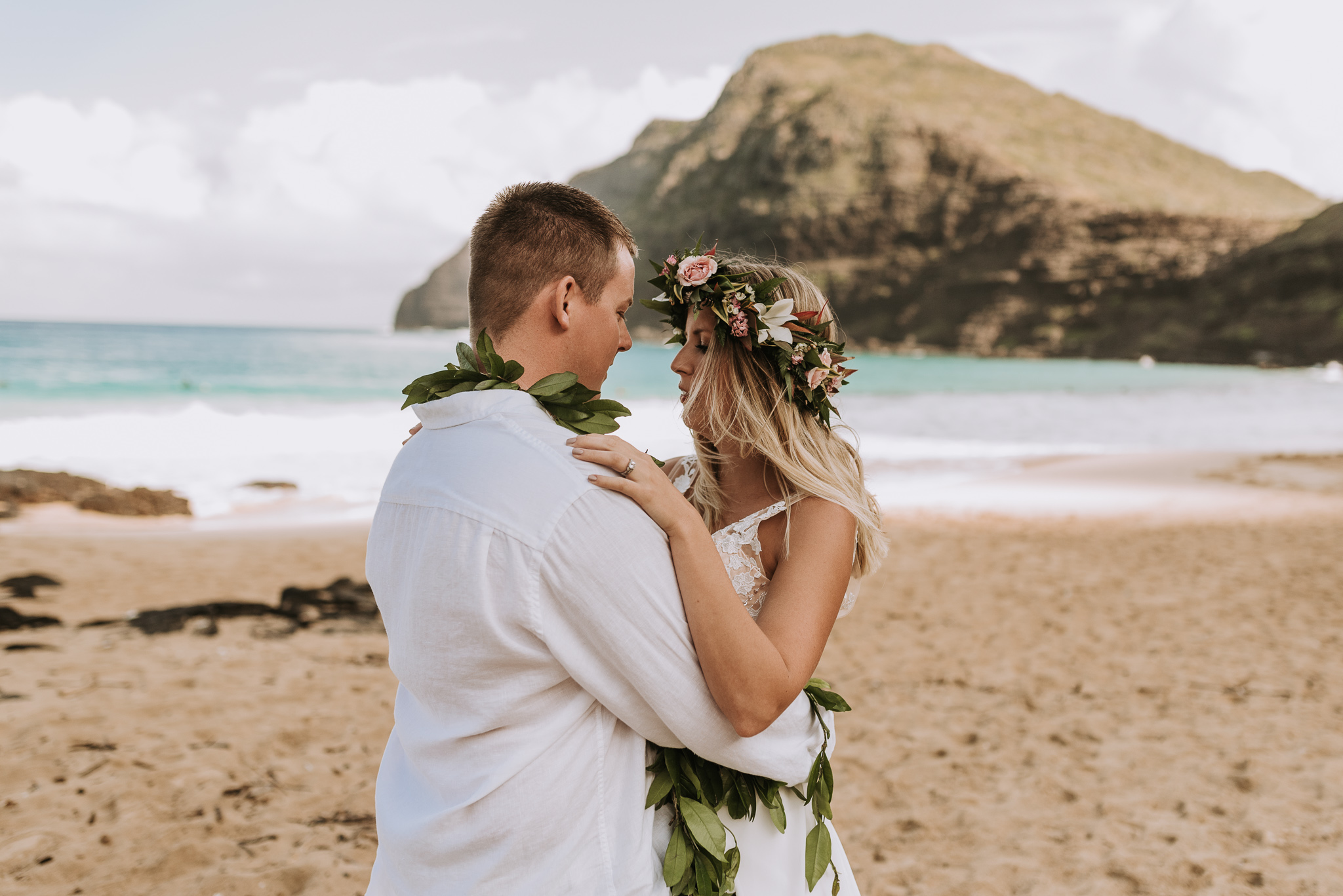 hawaii-wedding-destination-photographer-oahu-25.jpg