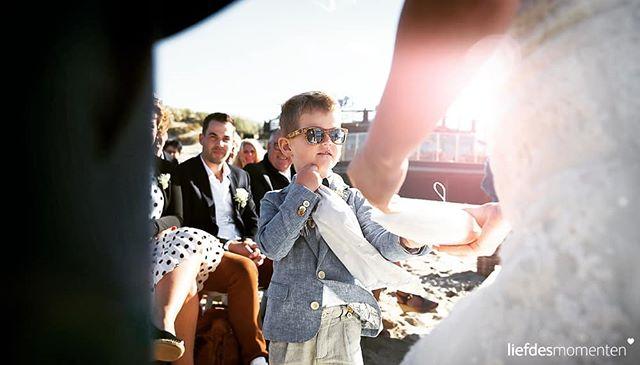 #beachwedding #zeeland . . #liefdesmomenten #weddingphotography #weddingphotographer #photo #weddingfilm #wedding #yesido #theperfectwedding #prewedding #trouwen #bruidsfotograaf #trouwfotograaf #bruidsfotografie #destinationwedding #bride #groom #weddingdress #trouwenin2018 #trouwenin2019