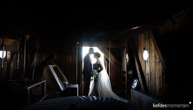 Romantic #dutch wedding shoot inside wind mill De Put #leiden . #liefdesmomenten #weddingphotography #weddingphotographer #photo #weddingfilm #wedding #yesido #theperfectwedding #prewedding #trouwen #bruidsfotograaf #trouwfotograaf #bruidsfotografie #destinationwedding #bride #groom #weddingdress #trouwenin2018 #trouwenin2019 #windmill #holland