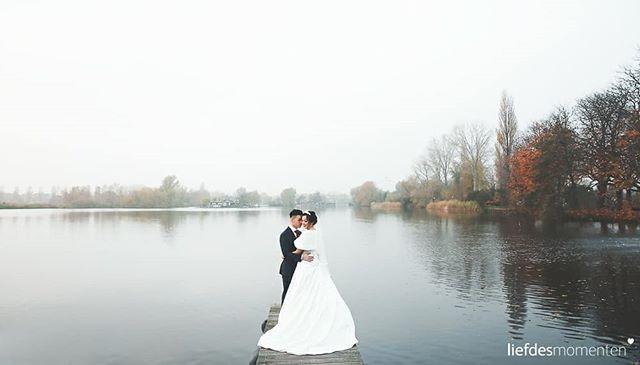 Herfst in Rotterdam. #heerlijk . More info about us at www.liefdesmomenten.nl Or +31681398195 . #liefdesmomenten #weddingphotography #weddingphotographer #photo #weddingfilm #wedding #yesido #theperfectwedding #prewedding #trouwen #bruidsfotograaf #trouwfotograaf #bruidsfotografie #destinationwedding #bride #groom #weddingdress #trouwenin2018 #trouwenin2019 #Rotterdam #lommerrijk #bergscheplas