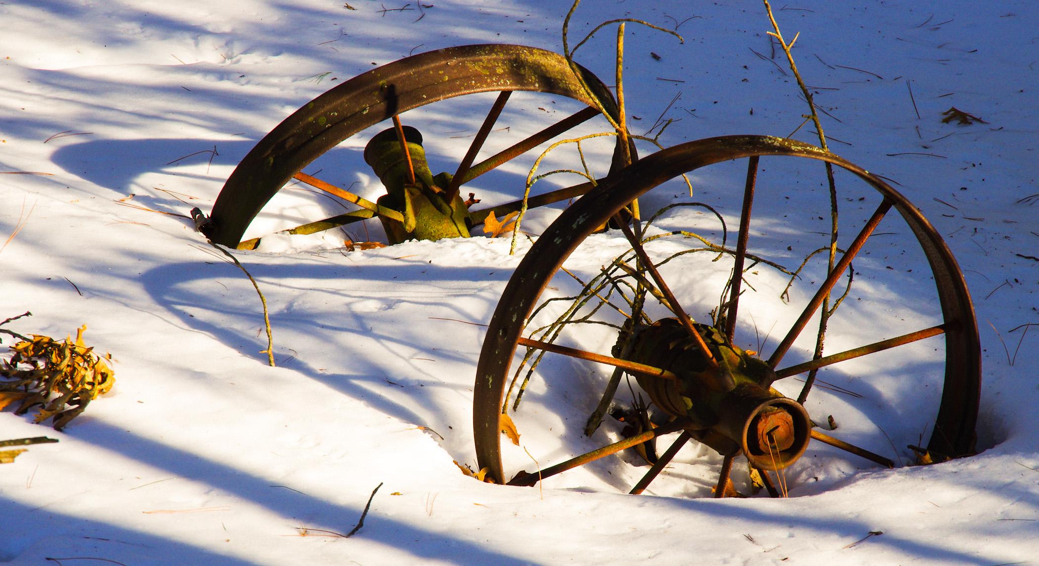 2267~COP~Rusty_Wheels~Vancleave~Mark~MFC.jpg
