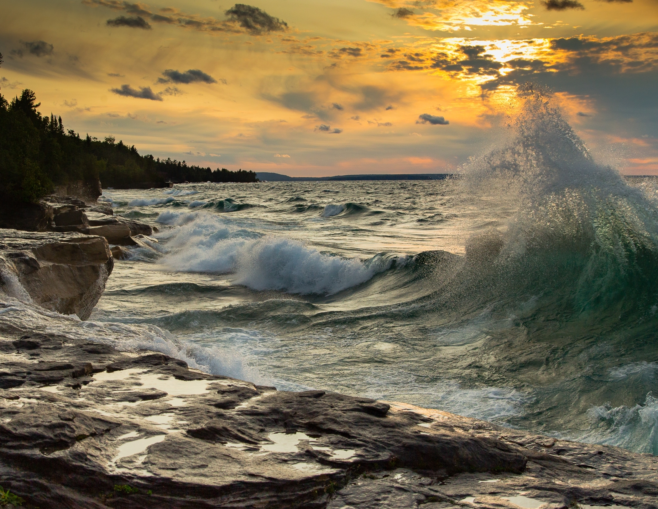Best of Show - Lake Superior Sunset By Don Weltzien – Unlimited Visions Photo Club