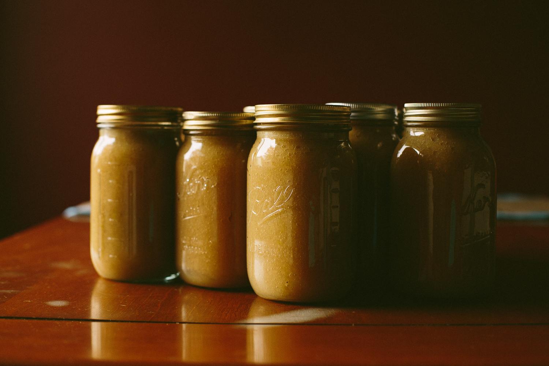 Canned jar of applesauce