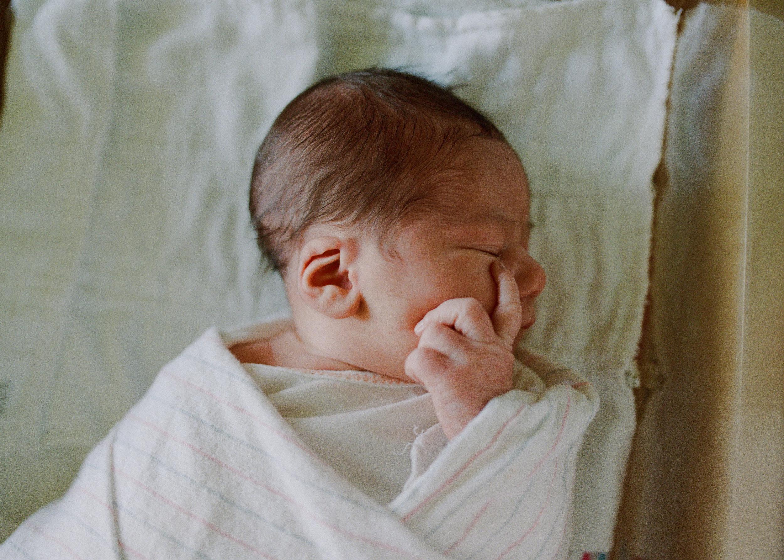 newborn-1-4.jpg